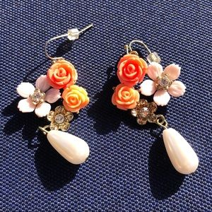Lovely pearl drop flower earrings